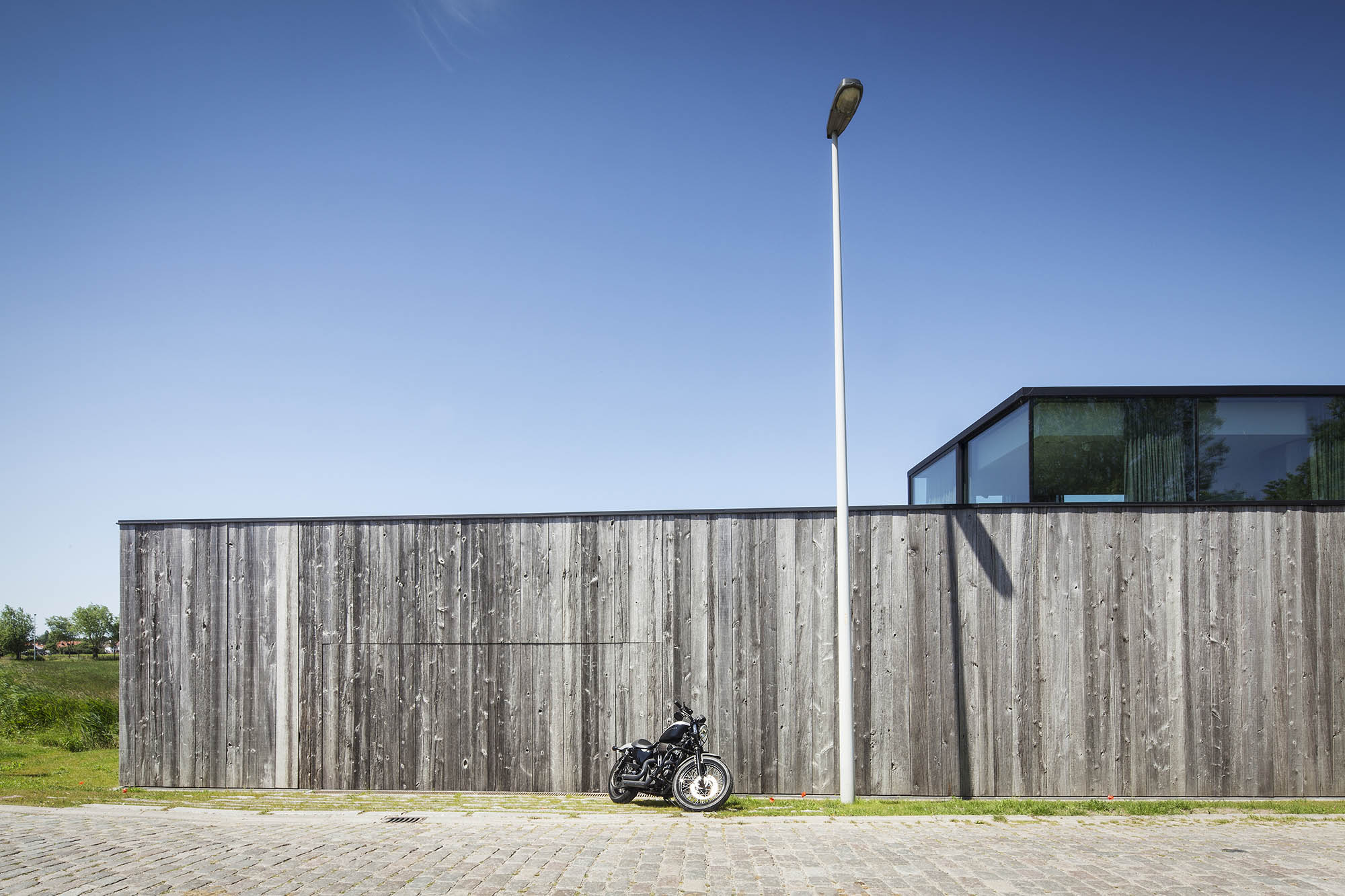 Residence dbk govaert vanhoutte architects for Construction maison minimaliste